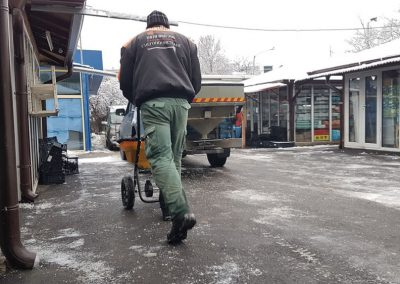 Zemen Rai_Manual snow cleaning (7)
